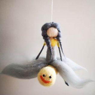 Hada con su amiga libélula