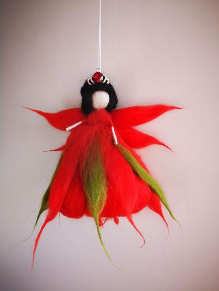 hada de lana de color rojo