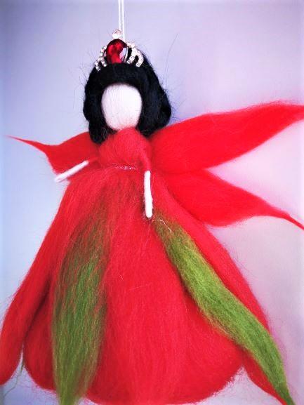 Reina Hada con vestido rojo
