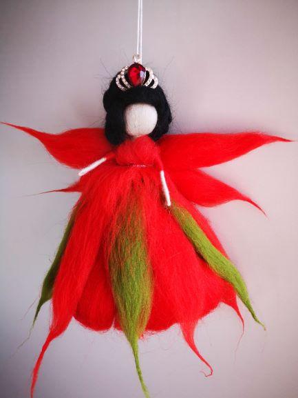 Reina Hada de flores rojas