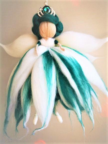 Reina Hada esmeralda de lana